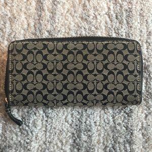 COACH wallet EUC